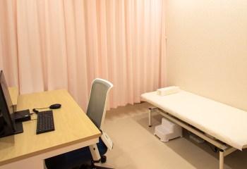 皮膚科:診察室