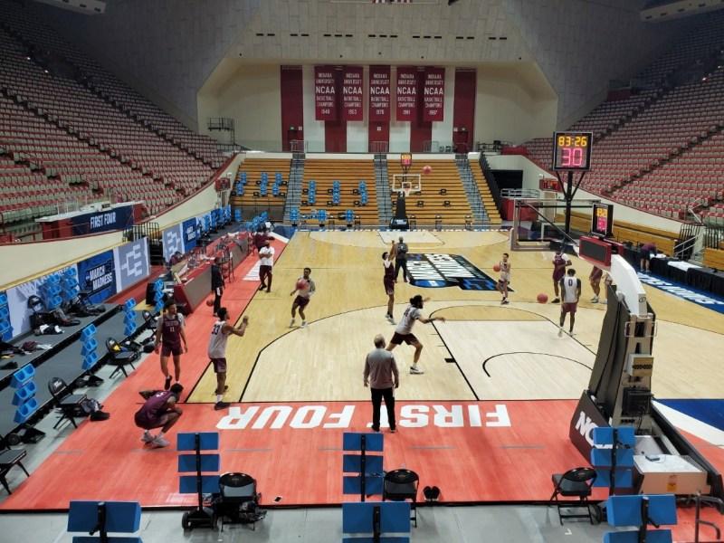 <div>Men's Basketball Prepares For NCAA Opener Thursday Evening</div>