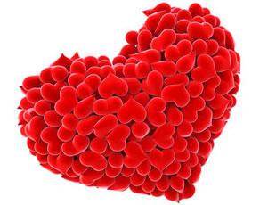 b904c99ad4cbc Úloha pre účastníkov: vyzdobiť veľké srdce malými valentínkami, aby bolo  šťastné! Môžete ho
