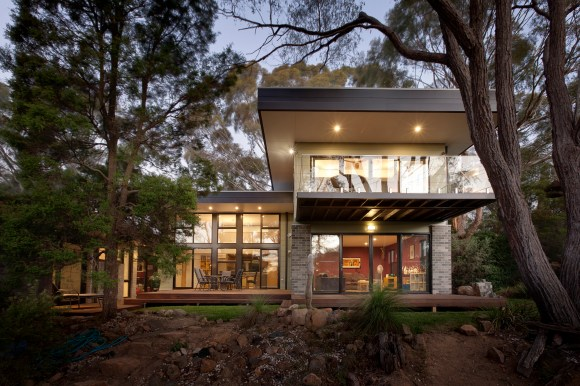 Hawker House (extension and renovation) - new two storey midcentury modern extension to Canberra house