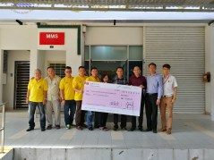 Top Management of TTF passing cheque donation to Management of Pusat Hemodialisis Desa Aman Puri