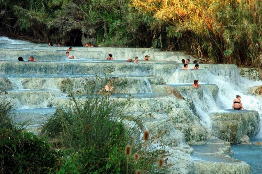 https://i2.wp.com/ttnotes.com/images/centro-termale-bagni-di-lucca-tuscany-2.jpg?fit=450,300&zoom=2&strip=all