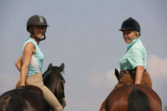 Linda Tellington Jones rides with Ingrid Klimke