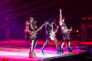 Kiss on Stage in Toledo