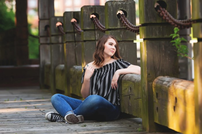 senior pictures in the cleveland flats