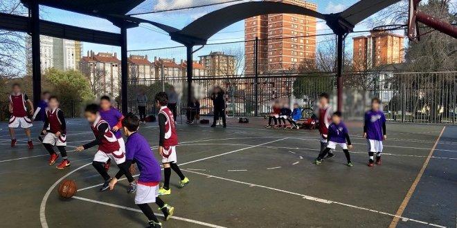 Partido de Minibasket entre dos colegios de Gijón