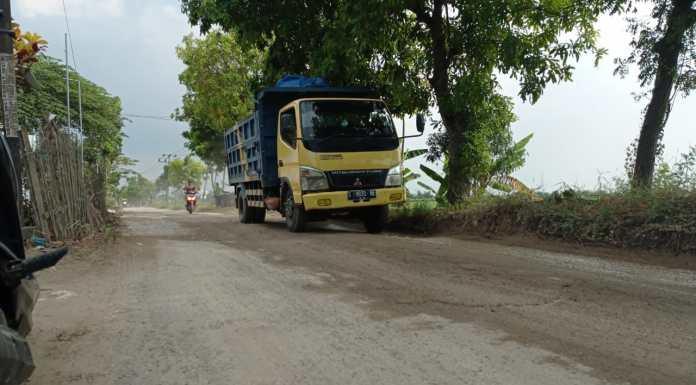 Tanggapi Jalan Rusak di Tambakboyo, Dishub Tuban: Pemilik Usaha Harusnya Ganti Rugi Kerusakan