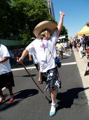 This walker is having a fabulous time! Photo: Kate Gonzales