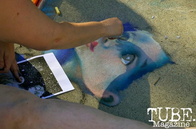 An artist creating chalk art at Chalk It Up in Sacramento, CA, September 4, 2016. Photo Emma Montalbano.