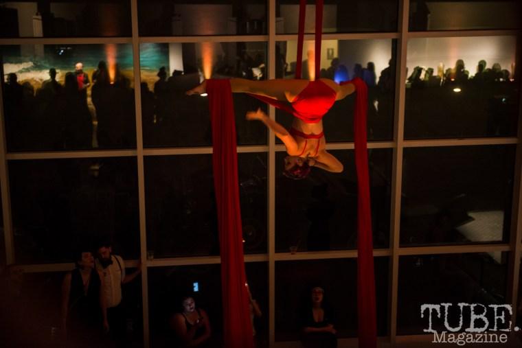 Sac Cirque performing at Vintage Swank ArtMix, Crocker Art Museum, March 2017. Photo Melissa Uroff