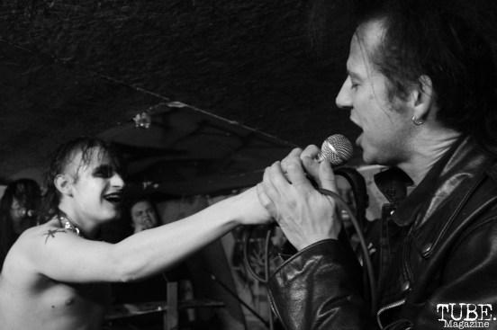 Audience member for Killer Couture singing at Casa de Chaos, in Sacramento Ca. December 15th 2017. Photo Anouk Nexus