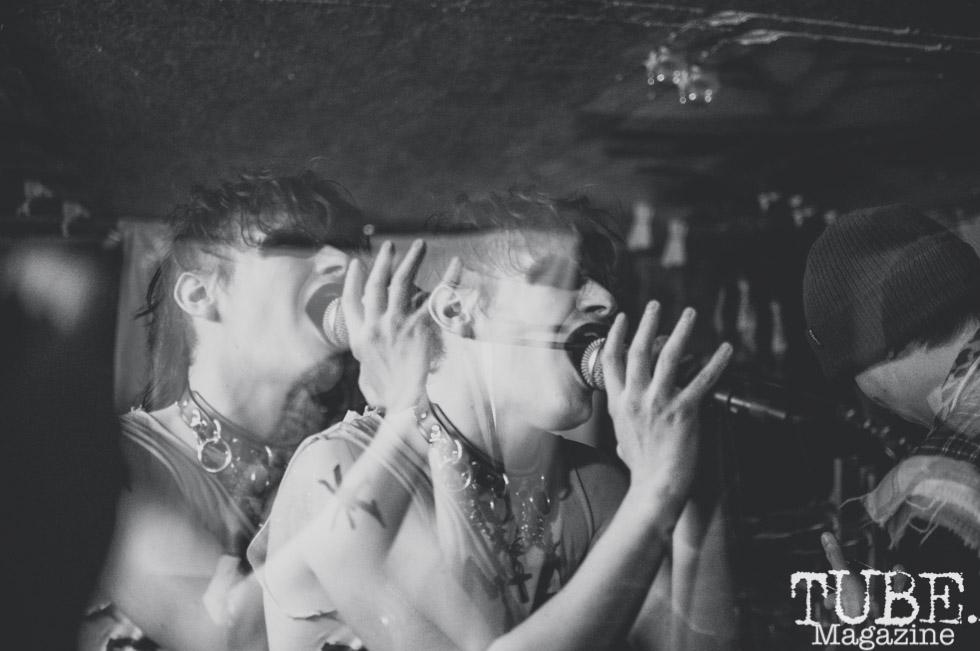 Killer Couture performing at Casa de Chaos, in Sacramento Ca. December 2017. Photo Heather Uroff.