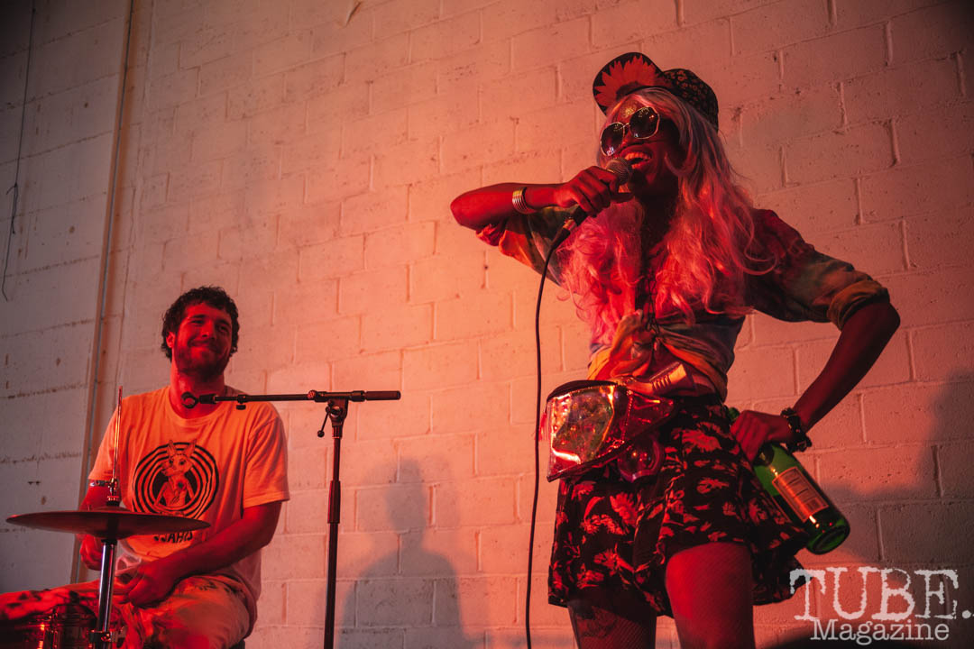 Doofy Doo and SpaceWalker performing at The Red Museum for Red Ex Vol. 2 in Sacramento, CA. September 22, 2018. Photo Cam Evans.