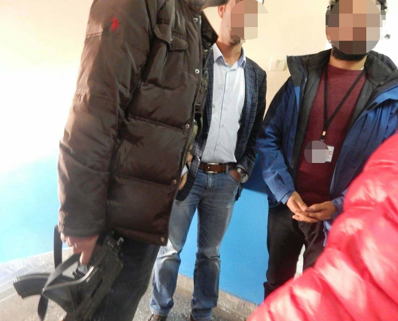 Im kurdischen Gebiet: Bewaffneter Mann in Wahllokal