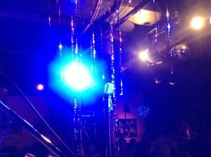 ライブの後。ビンテージマイクが映える