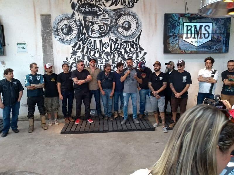 O organizador do BMS, Cezinha Mocelin com os customizadores
