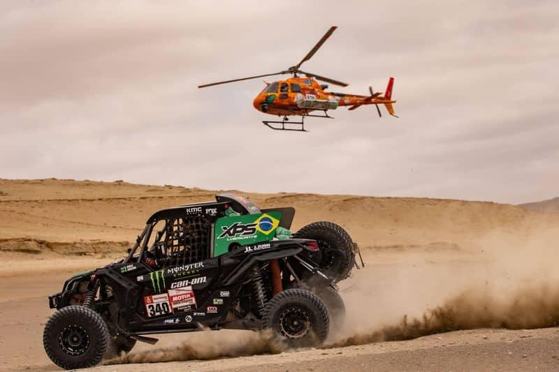 Reinaldo Varela e Gustavo Gugelmin, com o Can-Am Maverick X3, em ação na oitava etapa do Rally Dakar 2019, no Peru. Crédito: Victor Eleuterio