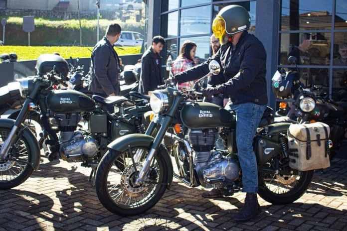 Royal Enfield recebe motociclistas com festa julina em comemoração ao Dia do Motociclista 01