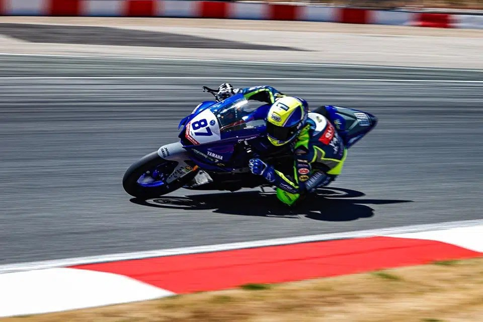 Mundial de Superbike: Ton Kawakami disputa o Mundial de Superbike neste final de semana, com sua YZF-R3 - Foto: Rodrigo Merino
