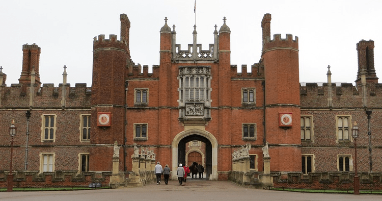 6 Top Tudor Sites In or Near London