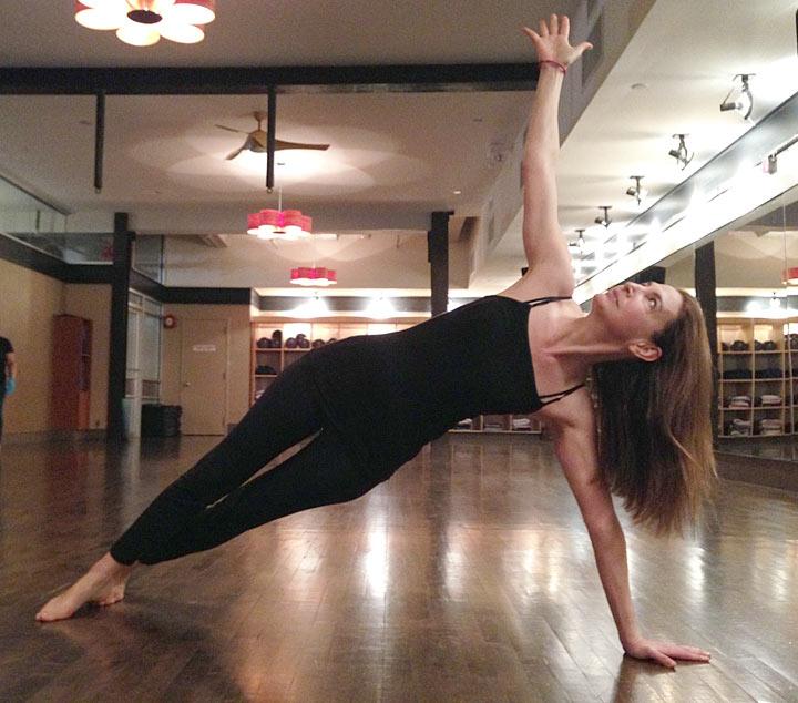 TN154_balance_yoga_720