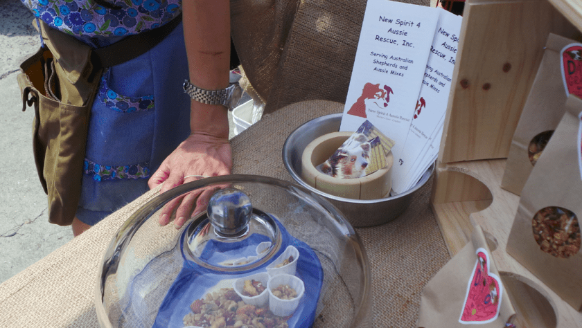 One taste of Dailola Granola and folks are pretty much sold.