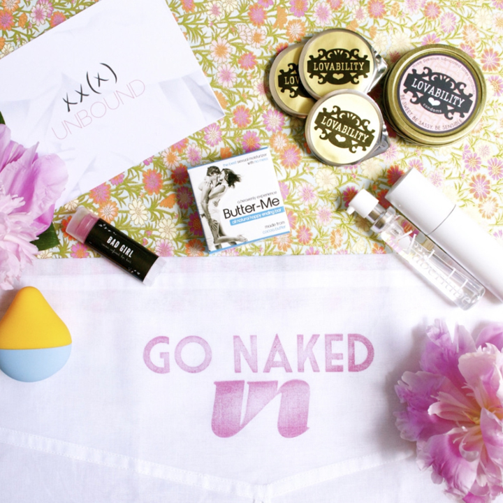 TN556_GO_NAKED_GIFT_BOX_720X720