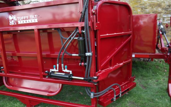 Hydraulic Rear Door for Hoof Trimming Chute