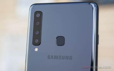 Galaxy A9 2018 dengan 4 lensa kamera belakang