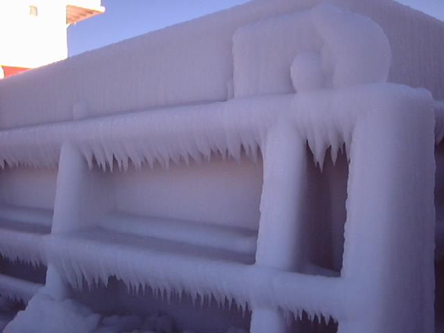04-01-10-07-hatch-full-of-ice.jpg