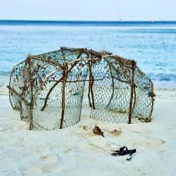 Una trampa para peces abandonada en una isla de Tailandia