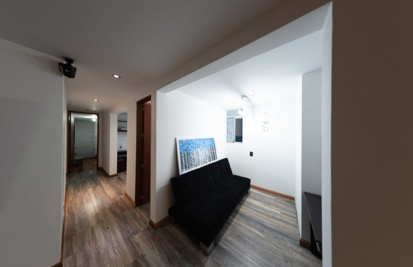 Se vende Apartamento en Pontevedra Bogota de 103m2 Sala 2