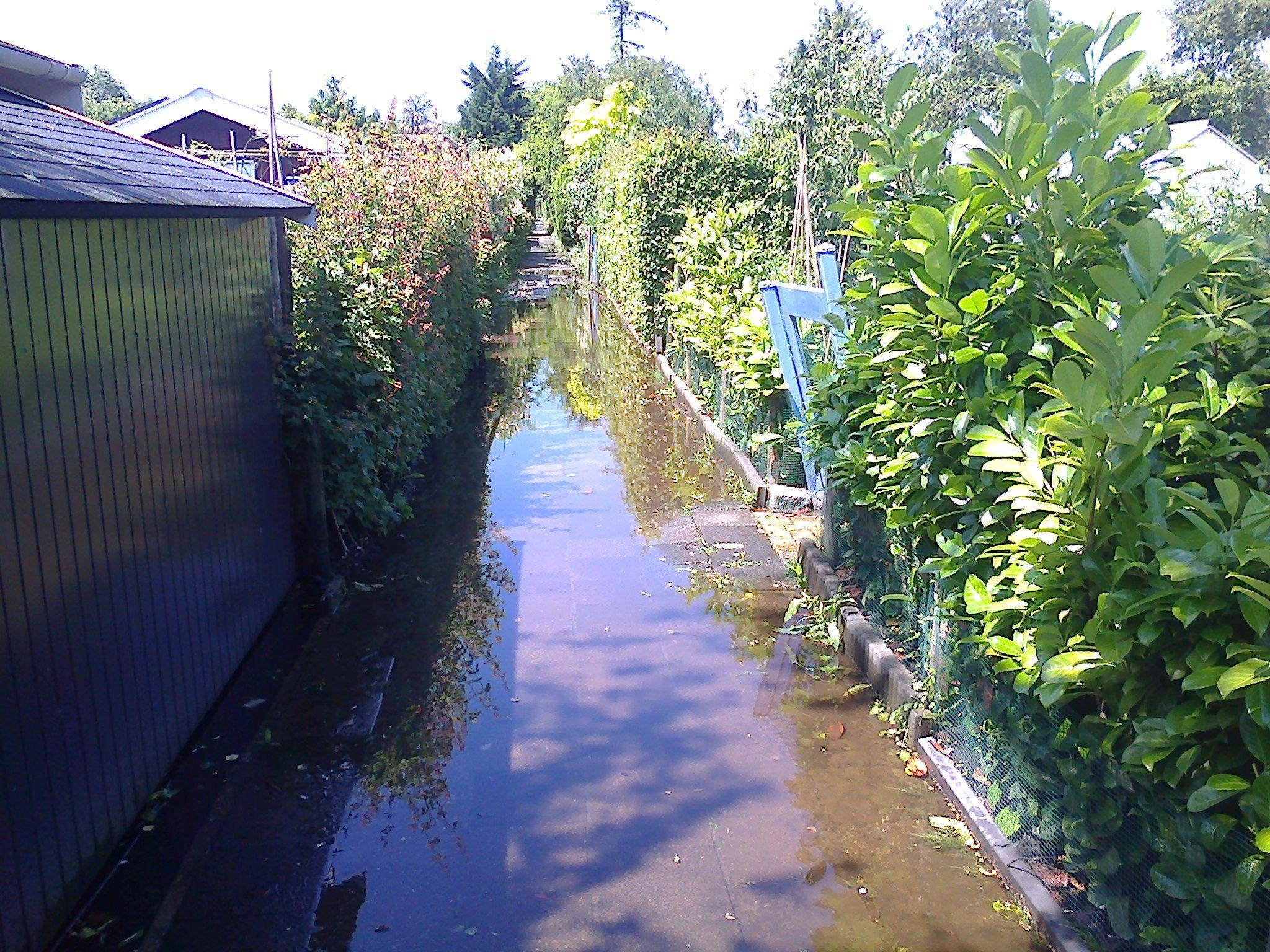 Wateroverlast Tuin Kleigrond : Verticale drainagebuizen leeuwenbergh tuinen