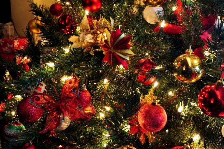decoration-handsome-christmas-tree-bulbs-night-light-integrate-with-modern-led-christmas-lights-decorating-ideas-christmas-tree-lights-christmas-tree