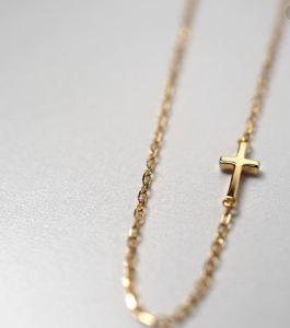 20代女性へのプレゼントのネックレス