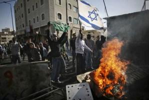 Israel Membantai 2