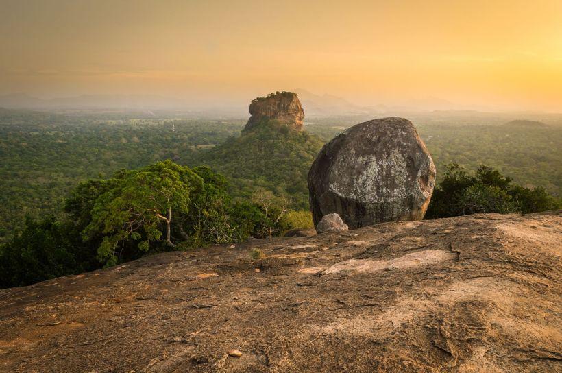 pidurangala-rock-sri-lanka_l