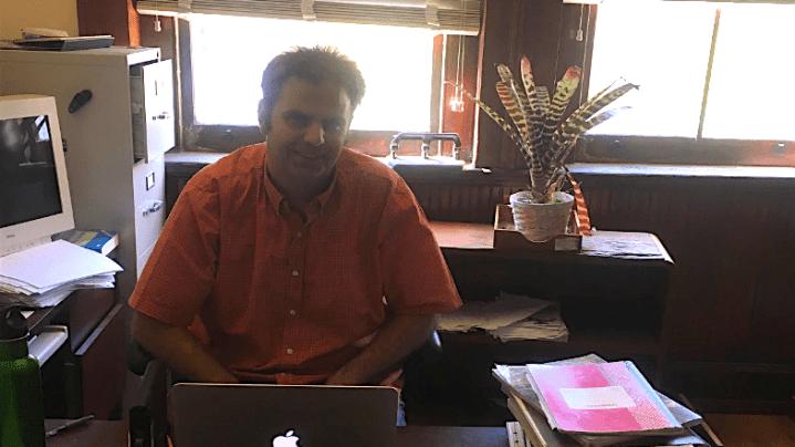 Professor Spotlight: Environmental Science Deparment—Professor Sigler