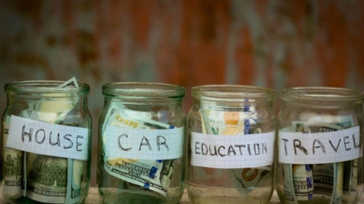 Smart Spending: Keeping on Budget in College