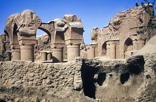 Bab al-Mardum, Haji Piyada y el influjo de Persia en Tulaytulá.