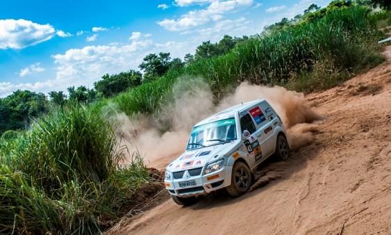 Rali cross-country de velocidade é o mais tradicional do País Crédito: Marcio Machado/Mitsubishi