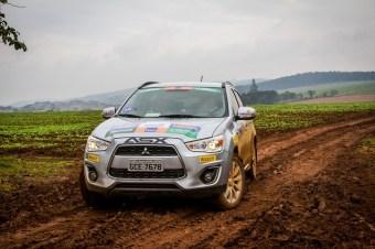 Prova foi marcada por chuva e piso muito escorregadio Crédito: Adriano Carrapato / Mitsubishi