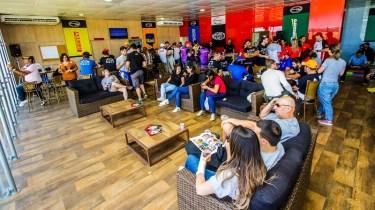 Do lounge, convidados e familiares puderam assistir boa parte das provas. Foto: Cadu Rolim/Fotovelocidade