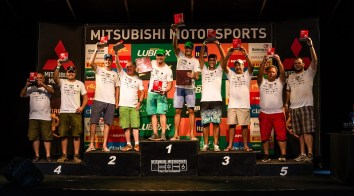 Pódio da categoria Graduados. Foto: Tom Papp / Mitsubishi Motors