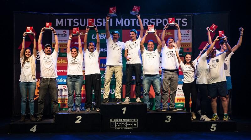 No fim de cada etapa, os melhores sobem ao pódio e são premiados. Foto: Tom Papp/Mitsubishi