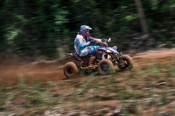 Jérémy Dubois comanda o quadriciclo Yamaha YZF450R (Luciano Santos/DFotos)