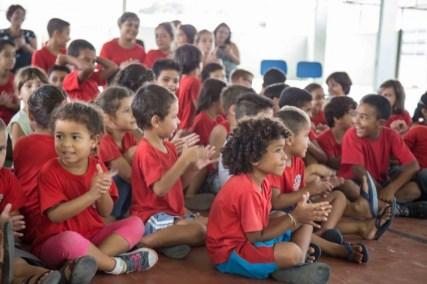 As crianças atentas na ação social realizada em 2016 (Lucas Carvalho/Photo Action)