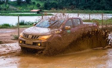 Chuvas na região deixarão as trilhas ainda mais emocionantes. Foto: Tom Papp / Mitsubishi
