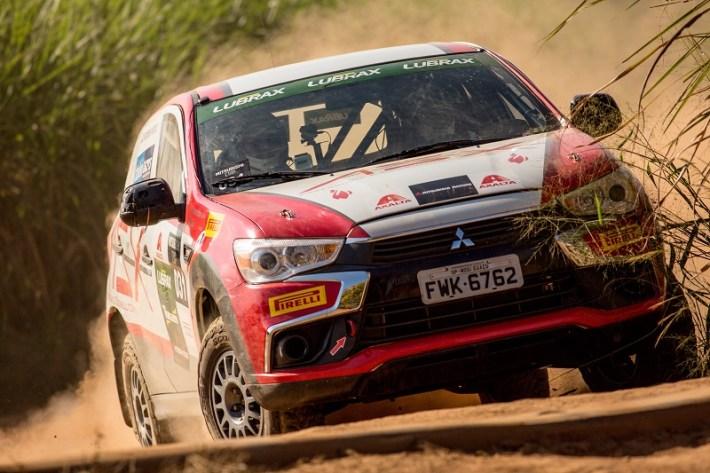 Prova em autódromo de terra é uma das novidades da temporada. Foto: Ricardo Leizer / Mitsubishi