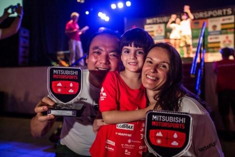 Famílias se reúnem para participar. Foto: Tom Papp / Mitsubishi